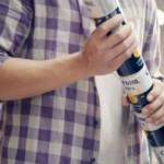 Бренд Corona заменит пластиковые кольца на скрепляющиеся друг с другом банки