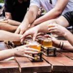 Миллениалы стали больше пить, потому что у них появились дети