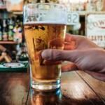 Продажи пива в Китае восстанавливаются благодаря открытию баров